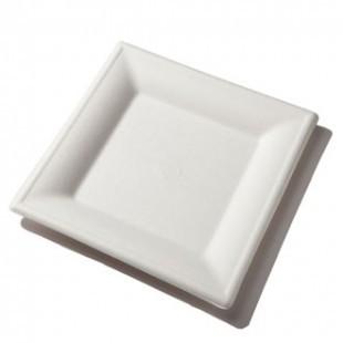 Lebomló négyzet alakú tányér